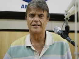 O Comunicador Paulo Barboza Anunciou Hoje Que Esta Deixando A Radio Capital Am  De Sao Paulo Onde Tinha Um Programa Entre H E H De Segunda A Ta